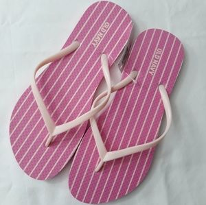 OLD NAVY casual pink striped flip flops